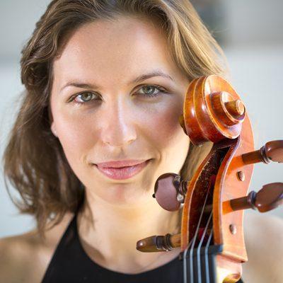 Jeanne Dorche, professeur de violoncelle et de viole de gambe au stage de musique Accordissimo