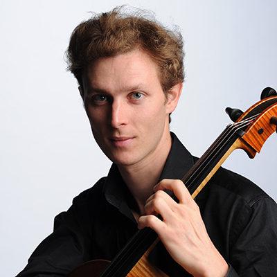 Thibault Seillier, professeur de violoncelle au stage de musique Accordissimo