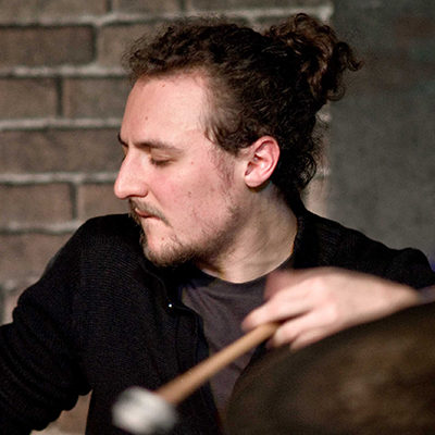 Baptiste Thiébault, professeur de batterie au stage de musique Accordissimo